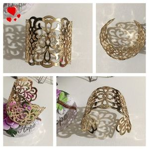 Gold Cuff Bracelet! NWOT